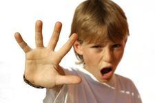 Educatie copii: Cum sa te comporti cu un copil incapatanat