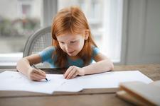 Primul an de scoala al copilului? Cum il ajuti sa invete sa citeasca si sa scrie
