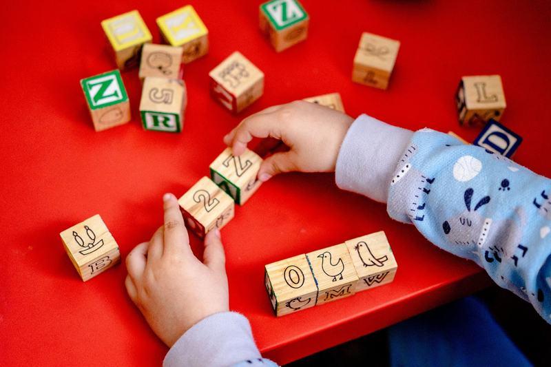 Logica la copii: cand se dezvolta si cum ii putem stimula pe cei mici