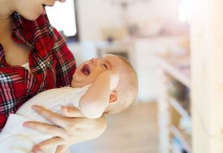 Este bine sa folosesti zgomotul alb pentru calmarea copilului?