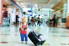 Ghid de vacanta: copiii mici in avion. Sfaturi utile pentru parinti!