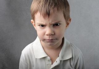 Copii care se supara din orice. Cum sa procedezi cu ei