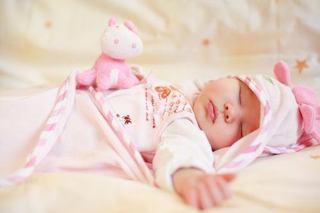 Bebelusul nu vrea sa doarma pe spate