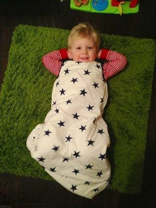 Beneficiile sacului de dormit pentru bebelusi