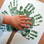 Crafturi si activitati cu amprentele mainilor copilului tau