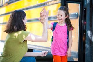 Cum ii ajutam pe copii sa se obisnuiasca cu noul program de la scoala