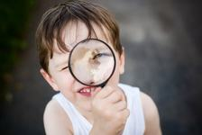 De ce sunt copiii curiosi?