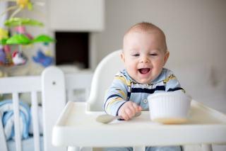 Cum alegi un scaun de masa potrivit pentru bebelusul tau