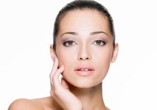 10 greseli in tratarea acneei