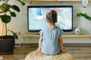 Abuzul de ecrane in cazul copiilor. Cum le afecteaza dezvoltarea