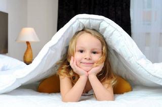 10 alimente care afecteaza somnul copilului tau