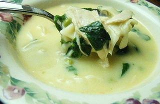 Supa de usturoi cu taitei