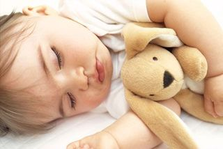 5 lucruri pe care trebuie sa le stii despre somnul bebelusului