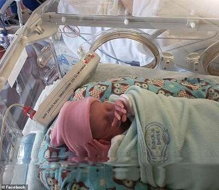 Infectata cu coronavirus si ventilata mecanic, Aurora s-a stins la putin timp dupa ce a nascut