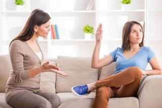 Cum sa faci fata razvratirii adolescentului. 5 sfaturi care chiar functioneaza