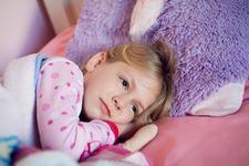 Copilul tau are cosmaruri noaptea? 11 sfaturi pentru a-l linisti si a-l ajuta sa adoarma la loc