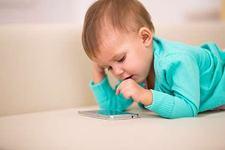 7 motive pentru care sa nu ii cumperi un telefon mobil copilului