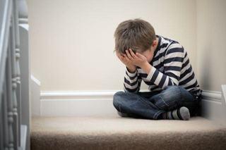 Oare poti fi tu cauza comportamentului nepotrivit al copilului?