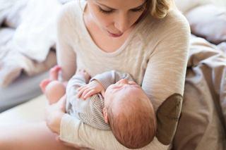 Regresia de somn la bebelusi - cand apare si ce e de facut