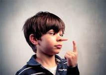 """Studiu. Parintii stricti transforma copiii in mincinosi. """"Copilul nu se simte in siguranta daca spune adevarul"""