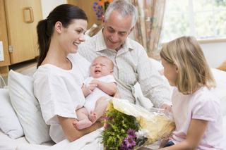 Ghid pentru rudele care vin in vizita la un nou-nascut