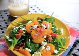 Salata cu spanac, portocale si feta