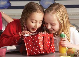 Ajuta copilul sa evite alergenii de la scoala!