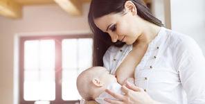 O mama a numarat timpul petrecut pentru a-si alapta copiii. Uimitor cate ore a adunat!