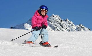 Ce trebuie sa stii despre primele lectii de schi ale copilului tau