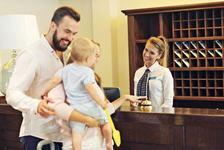 In familie, la hotel - Trucuri pe care orice parinte trebuie sa le stie