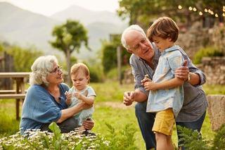 7 lucruri importante pe care nu ar trebui sa le faca NICIODATA bunicii