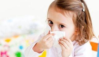 Alergia la praf poate fi evitata. Cum iti feresti copilul de acarieni