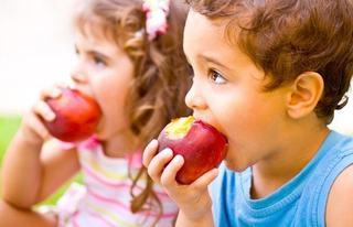 Orarul meselor la copilul de 2-3 ani