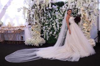 Ce va face Adelina Pestritu cu rochiile de mireasa pe care le-a imbracat la nunta cu Virgil Steblea