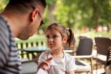 Este bine sa-ti obligi copilul sa-si ceara scuze?