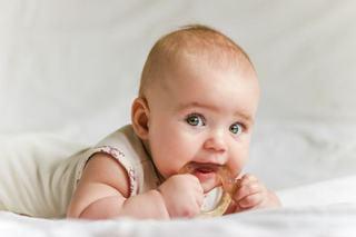 8 semne cheie care iti arata ca ii apar dintii copilului tau