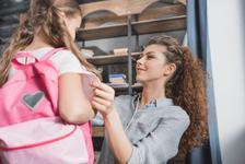 Pentru mamicile care se pregatesc de prima zi de scoala a copilului lor