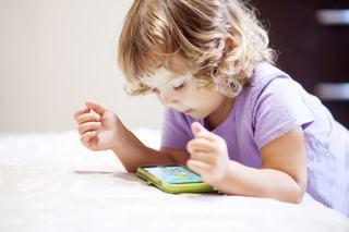 Cum sa folosim smartphone-ul in mod sanatos in educatia celor mici