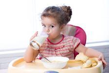 Laptele de crestere, suplimentul de care copilul tau are nevoie dupa 1 an