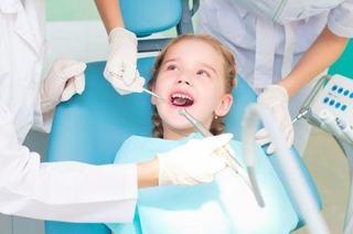 Vizitele copilului la medicul dentist
