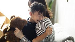 Invatati si baietii sa-si exprime sentimentele