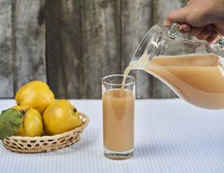 Suc cu gutuie si mandarine