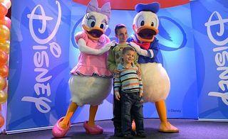Mii de copii s-au intalnit cu personajele Disney la Bucuresti