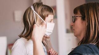 La copii nu exista diferente clare intre simptomele de gripa si cele de COVID-19