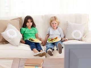 La masa in fata ecranului - efecte negative asupra copilului