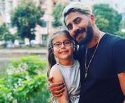 """Connect-R rupe tacerea despre problemele de la scoala ale fetitei sale: """"Iti ia ceva din bucuria copilariei"""""""