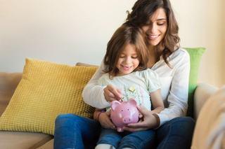 6 lectii despre bani pe care trebuie sa i le oferi copilului
