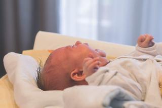 Plansul ii ajuta pe bebelusi sa se elibereze de stres. De ce este benefic si cum functioneaza