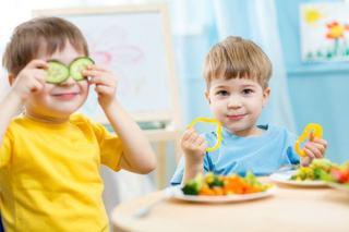 10 alimente care stimuleaza cresterea copiilor si nu ar trebui sa lipseasca din meniul lor