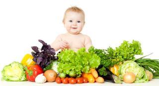 Cand introducem salata verde in alimentatia copilului